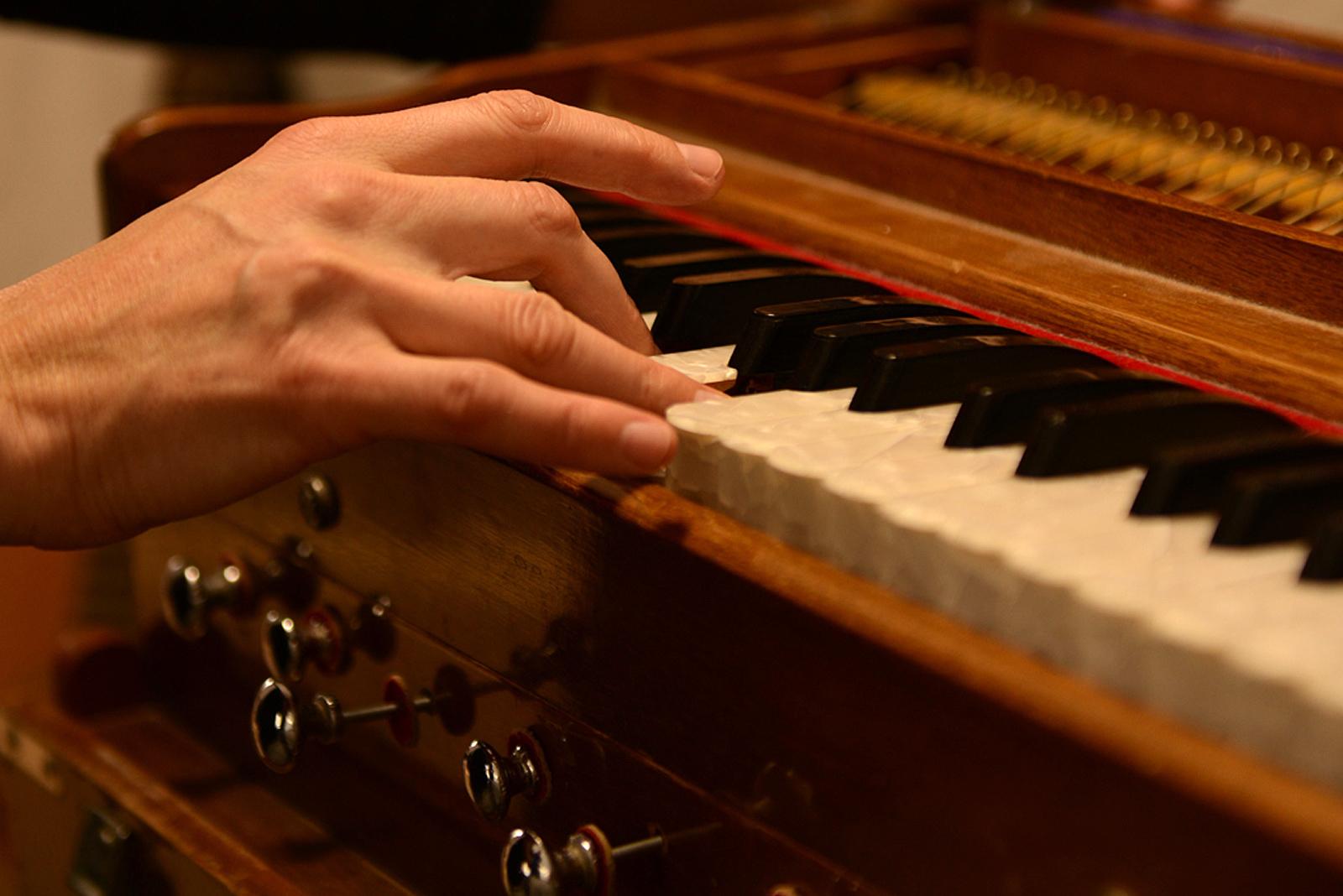 Kirtan Meditation Piano